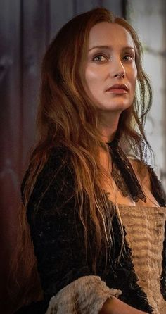 Outlander 111: Claire loses her only person that knows exactly who she is and where/when she comes from, Geillis Duncan