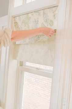 Creating faux Roman shades using just fabric and inexpensive tension rods is an affordable way Cheap Roman Shades, Faux Roman Shades, Custom Roman Shades, Gypsy Curtains, No Sew Curtains, Curtain Valances, Window Curtains, Roman Shades Kitchen, Relaxed Roman Shade