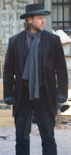 Imagined - Russell Crowe on the set of 3:10 to Yuma - ... JamesAZiegler.com