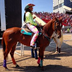 Client @FallonTaylor3 & 'Baby Flo' ready to secure their place in the Final Four of Showdown Sunday at the @CS_Rodeo pic.twitter.com/5bhculOvL3