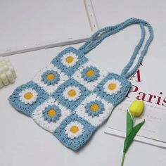 Mode Crochet, Crochet Daisy, Crochet Tote, Crochet Granny, Diy Crochet, Crochet Crafts, Crochet Flowers, Crochet Stitches, Crochet Projects