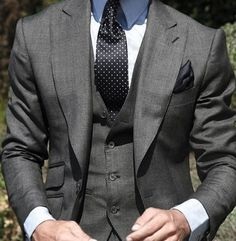 love suits so much that we dedicate this board to incredible styles and… Der Gentleman, Gentleman Style, Sharp Dressed Man, Well Dressed Men, Mens Fashion Suits, Mens Suits, Male Fashion, Mode Costume, Style Masculin