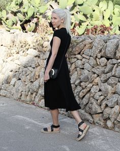 Reformation, Dress, Mallorca, black, Outfit,Style, Fashion,Look, ootd, lotd, Blog, stryleTZ