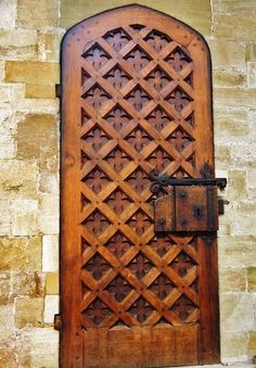 Lattice door at Exeter Cathedral, England Door Entryway, Entrance Doors, Doorway, Grand Entrance, Exeter Cathedral, Norwich Cathedral, Old Doors, Windows And Doors, Tudor Decor