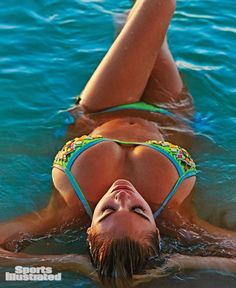 Kate Upton. Larger (900x1100): http://2.bp.blogspot.com/-8FdQxisiLjU/UxhrHstjW7I/AAAAAAACLBg/a3449Vpxv1I/s1600/Kate_Upton-Sports_Illustrated-Swimsuit-Issue-023.jpg