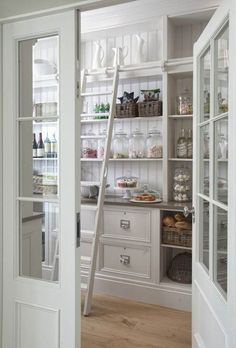 Farmhouse Kitchen Pantry Inspiration The Best Farmhouse Pantry Inspiration – A huge collection of beautifully organized farmhouse pant Pantry Room, Pantry Storage, Food Storage, Pantry Organization, Storage Ideas, Kitchen Storage, Shelf Ideas, Organizing Ideas, Basement Storage