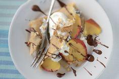 Bretaňské palačinky s jablky a tvarohem Waffles, Pancakes, Potato Salad, Muffin, Brunch, Potatoes, Breakfast, Ethnic Recipes, Morning Coffee