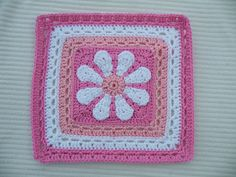 Ravelry: Maryfairy's Daisy Flower Square for Pink Blanket