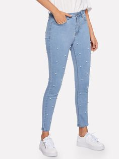 SheIn offers Pearl Beaded Crop Skinny Jeans & more to fit your fashionable needs. Ripped Knee Jeans, Ripped Jeggings, Cropped Skinny Jeans, High Waist Jeans, Amo Jeans, Black Jeans Outfit, Stylish Jeans, Cute Pants, Trendy Swimwear