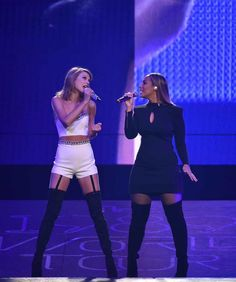September Taylor Swift and Leona Lewis performing at the 1989 Tour in Nashville, TN [HQs] Selena And Taylor, Taylor Swift Pictures, Taylor Alison Swift, The 1989 World Tour, 1989 Tour, Ethel Kennedy, Leona Lewis, Vogue, Mick Jagger