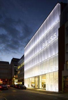 46 ideas exterior signage architecture building for 2019 Mall Facade, Retail Facade, Shop Facade, Glass Building, Building Facade, Building Exterior, Brand Building, Facade Design, Exterior Design