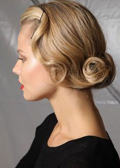 old hairstyles represents a clear reminder of a time of elegance and femininity. Love vintage hairstyles and want to add some sexy look? Well, Retro hairstyles are super best option for you, discover 10 Amazing Retro Hairstyles for you. Romantic Hairstyles, Retro Hairstyles, Wedding Hairstyles, Classic Hairstyles, Twisted Hairstyles, Classic Updo, Stylish Hairstyles, Popular Hairstyles, Latest Hairstyles