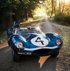 Jaguar Type D 1955 ex Ecurie Ecosse : Un diamant bleu à Monterey.
