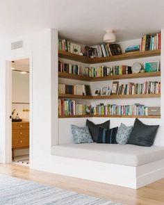 45 Outstanding Millennial Small Master Bedroom Ideas On A Budget Diy Decor 15 D. Corner Bookshelves, Bookcase, Diy Bookshelf Wall, Bookshelves In Bedroom, Library Bedroom, Bookshelf Ideas, Book Shelves, Vintage Home Decor, Diy Home Decor