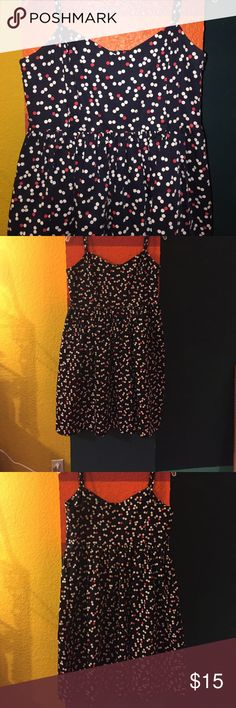 GAP dress Polka dotted Gap Dress. Size 12. Navy, white, red. Falls right above knees. I'm 5'6. 22.5 inches bottom of bust, down. Side zipper. Adjustable straps. Excellent used condition. GAP Dresses Midi