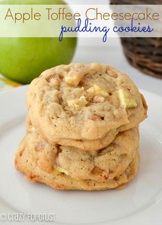 Perfect for Fall.these Apple Toffee Pudding Cookies! How come I've never heard of Pudding Cookies? Mini Desserts, Cookie Desserts, Just Desserts, Cookie Recipes, Delicious Desserts, Dessert Recipes, Yummy Food, Apple Recipes, Sweet Recipes