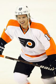 Brayden Schenn Photos - Philadelphia Flyers v Winnipeg Jets - Zimbio