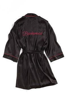 Cute bridesmaid gift: a special robe!