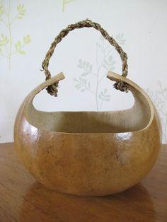 vide poche original en forme de panier en courge calebasse - gourd basket