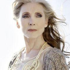 Eine Biografie: Die 68-jährige Eveline Hall ist in der deutschen Modelszene ein Phänomen