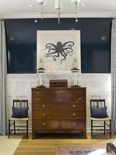 Hale Navy high gloss / Paint color for console