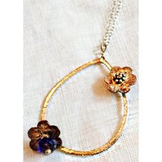 DIANE YENG📿Gold-Plated Oval Floral Necklace Worn a couple of times, one of the flowers needs to be tightened, otherwise perfect.  Genuine Crystal in the center of flowers. Diane Yeng Jewelry Necklaces