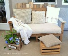 Pallet wood is the perfect choice for this outdoor sofa. It's weather durable as well as maintains all the rustic qualities us junkers gravitate towards.