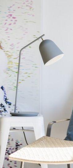 Lampe a poser cache gris led o20cm h57cm le klint normal #lampe #light #lampeàposer #tablelamp #gris #grey #acier #steel #laiton #brass #danishbrand #leklint #aurélienbarbry #caché #chambre #Bedroom #bureau #office #salon #livingroom #salleàmanger #diningroom #entrée #entrance #scandinave #design #nedgis