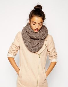 Liquorish Chunky Knit Infinity Scarf 25.59€