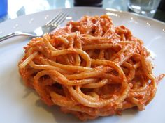 Roasted red pepper and almond pasta