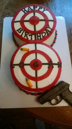 Gun, bullets and target cake You are in the right place about Nerf Gun Cake fondant Here we offer yo Target Birthday Cakes, 40th Birthday Cakes, Cupcake Birthday Cake, Cupcake Cakes, Cake Fondant, 12th Birthday, Birthday Parties, Birthday Cake For Husband, Daddy Birthday