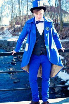captainimaginary: Snog-box I've always seen so many lovely female Tardis cosplayers but never a male Tardis. I felt I had to change that.) Tardis: Me Photographer: Nova ~~ awesome tardis cosplay Tardis Costume, Tardis Cosplay, Doctor Who Cosplay, Amazing Cosplay, Best Cosplay, Amazing Costumes, Dr Who, Sherlock, Diy Halloween