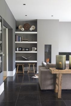 Warm grijs - r-styled Paint Colors For Living Room, Living Room Grey, Home Living Room, Living Room Designs, Living Room Decor, Living Spaces, Small Living, Nuno, Living Room Storage