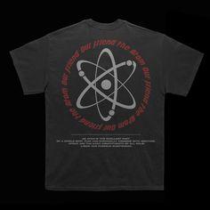 T-shirt Atomic design. on Behance Circle Logo Design, Circle Logos, Graphic Design Posters, Graphic Design Inspiration, Tourist Outfit, Sari Design, Typographic Logo, Cheap T Shirts, Grafik Design