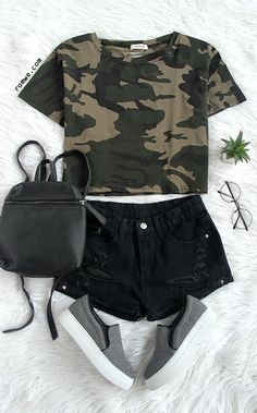 Camo Print Distressed Crop T-shirt with black pants and grey flats from romwe.com
