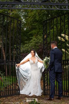 Looking for wedding day style inspiration? This Inglewood manor photo shoot showcases the spectacular venue complete with flowers and room dressing. Inglewood Manor, Beautiful Wedding Gowns, Wedding Dresses, Allure Bridal, Photo Shoot, Most Beautiful, Wedding Planning, Wedding Day, England