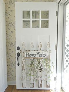 Junk Chic Cottage: Switching Can Make A New Look (porch furniture front doors) Junk Chic Cottage, Cottage Style, Porch Furniture, Antique Furniture, Front Door Decor, Front Doors, Front Porch, Old Doors, Shabby Chic Decor