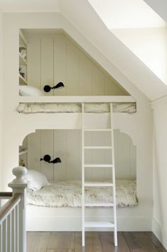 Who doesn't love built-in furniture? Whether it's shelving on walls, around the fireplace, under the stairs, a desk, or anything tucked into odd corners or low spaces — there's no denying that they're money and space saving charmers. Bunk Beds Built In, Kids Bunk Beds, Built In Beds For Kids, Bunk Bed Ideas For Small Rooms, Loft Beds, Build In Bunk Beds, Small Beds, Cabin Beds For Kids, Bunkbeds For Small Room