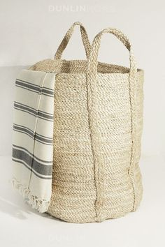 Jute baskets. Great site for that sophisticated beige and colour scheme - if I could restrain myself (never!).
