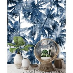 Tropical wall decoration in black and white - wallpaper Tropical Wallpaper, White Wallpaper, Blog Deco, Decorating Blogs, Wall Decor, Tapestry, Table Decorations, Black And White, Artist