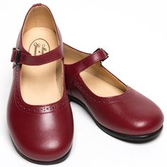 Classic red leather shoes for girls by Menthe et Grenadine  So chic!