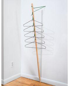 »Hangout« - Stummer Diener von Antenna Design (Foto: Raimund Koch) (Diy Wall Closet)