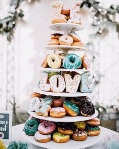 12 Delicious Ways to Incorporate Balloons into Your Big Day wedding cake ideas 2019 wedding trend donut cake love cake cake Doughnut Wedding Cake, Wedding Donuts, Doughnut Cake, Wedding Desserts, Cake Wedding, Funky Wedding Cakes, Boho Wedding, Dream Wedding, Advent