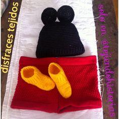 disfraz de mickey todo tejido a mano!!!! super economico! contactanos por email fundaciontejiendohistorias@gmail.com