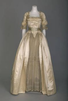 """1916 Lucile wedding dress (Chicago History Museum - Chicago, Illinois USA) // This is fascinating; it's made in a """"traditional"""" style, a throwback to the robe a l'anglaise! Vintage Outfits, Vintage Gowns, Vintage Bridal, Look Vintage, Vintage Mode, Edwardian Fashion, Vintage Fashion, Edwardian Dress, Fashion Goth"""