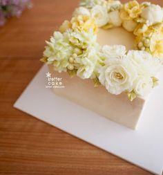 Done by student of Better class (베러 심화클래스/Advanced course) www.better-cakes.com  #buttercream#cake#베이킹#baking#koreanbuttercream#koreancake#버터크림케이크#베러케익#yummy#flower#수제케익#sweet#플라워케이크클래스#foodporn#birthday#wedding#디저트#foodie#dessert#버터크림플라워케이크#following#food#piping#beautiful#flowerstagram#instacake#pastry#꽃스타그램#공방#instafood#