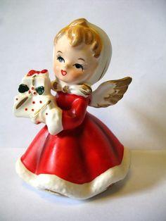 Vintage Napco Christmas Angel Girl With Gifts Figurine Napcoware Japan