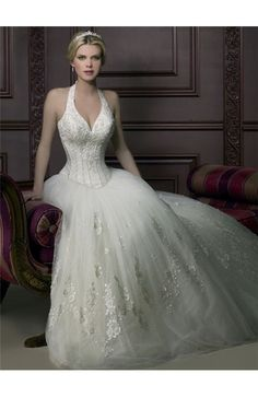 Generous vintage wedding gown! This is seriously my DREAM DRESS!!!!!!!