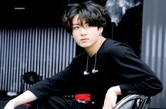 Animated gif uploaded by ɢᴏʟᴅᴇɴ ɪᴅᴏʟ⁷. Find images and videos about gif, bts and jungkook on We Heart It - the app to get lost in what you love. Kookie Bts, Jungkook Cute, Bts Bangtan Boy, Jungkook Fanart, Jung Kook, Jikook, Dance Music, K Pop, Playboy