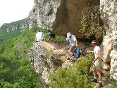 Petit passage en falaise - corniches du Causse Noir coté gorges de la Dourbie